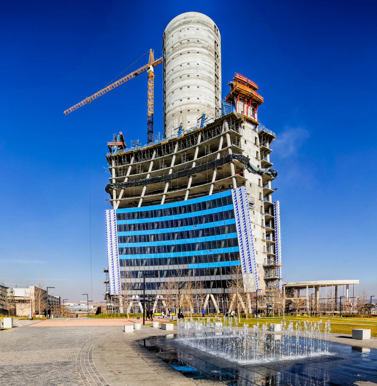 Construction images of the PWC Head Office in Waterfall City